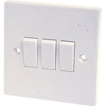 10A, 3 Gang 2 Way Switch to BS3676 - Skin Packed